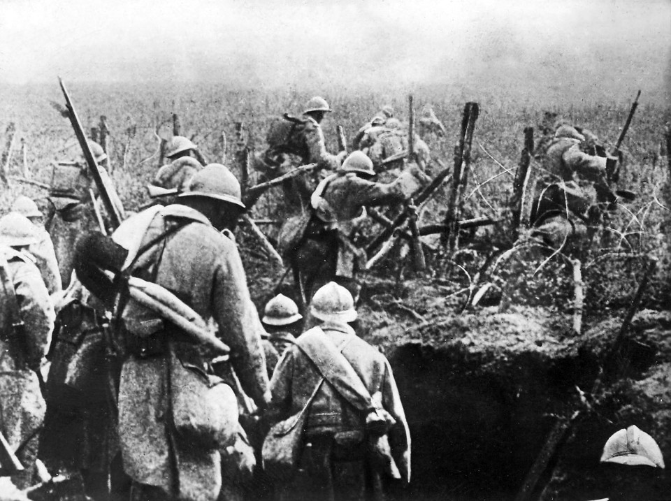 French soldiers leaving their trench at Verdun, 1916. From http://cdn.history.com/sites/2/2016/02/Bataille_de_Verdun_1916.jpg